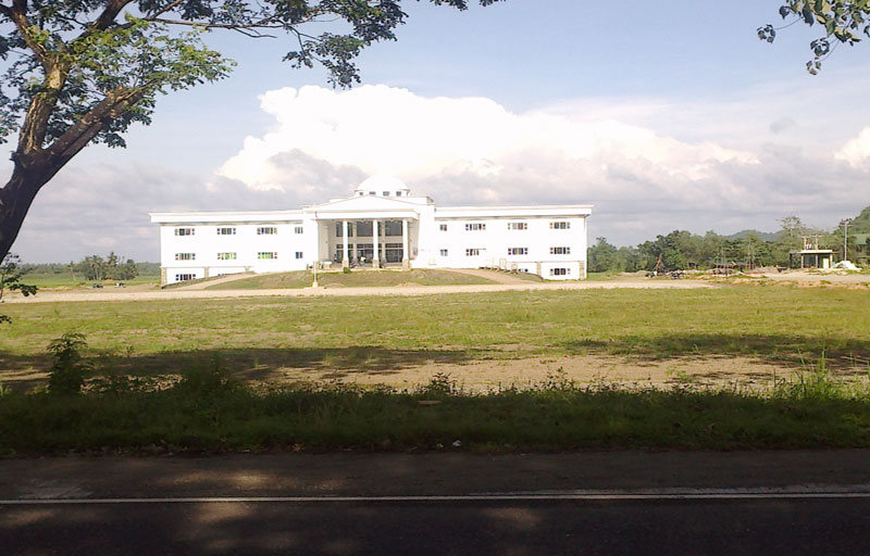 Sipalay-Govt-Center-Sept2012-(2)