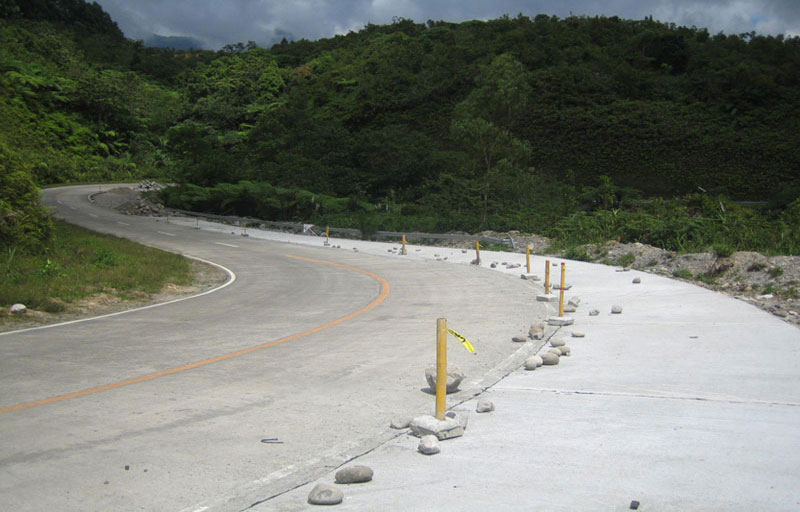 Don-Salvador-Benedicto-Road-2